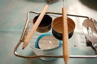 Z pretlacatka na vajicka rychlo urobite rost na nahrievanie vrchnacikov pri zdobeni vajicok