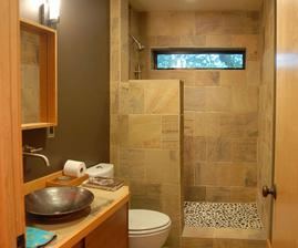 ... alebo takto vymurovaný sprchový kút do veľkej kúpelne