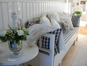 Pletená deka na gauči