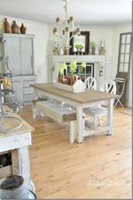 Z jednej strany stola lavica