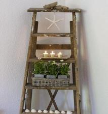 Niekde do domu rebrík ako dekorácia