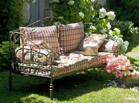 Záhradná lavička - Obrázok č. 25