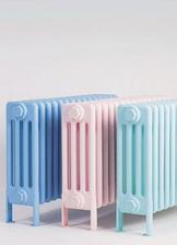 Do dlhej chodby medzi dvere na stenu zavesim retro liatinovy radiator len taky falosny a natriet mozno v pastelovej farbe zladeny s tapetou