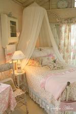 moja spalna: mozno takto baldachyn do rohu nad hlavu a postel sa natoci do stredu izby nohami