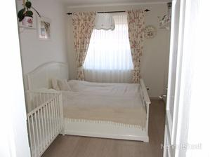 moja spalna: postel bude velka a biela