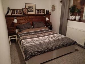 Moja spalna: stena za postel takto nejako pojde taketo typy ramikov a fotiek si tam dam