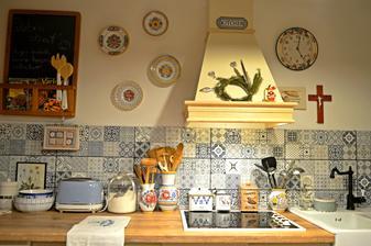 Tak som si vysukala rukavy a pustila sa do nasej kuchynky, ktoru som si celu sama naplanovala, navrhla a postupne aj montujem, doladujem a vytvaram v obraz z mojich kuchynskych snov :) :) :)
