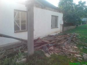 takto to vyzeralo pred domom