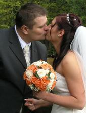 sladký novomanželský bozk :-)