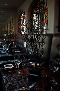 Gothic wedding and Black&white wedding - Obrázok č. 94