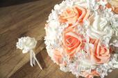 Svatební kytice meruňková vč. korsáže,