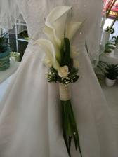 tak toto je moje finální rozhodnutí na kytí růže budou ale vínové a do nich perličky