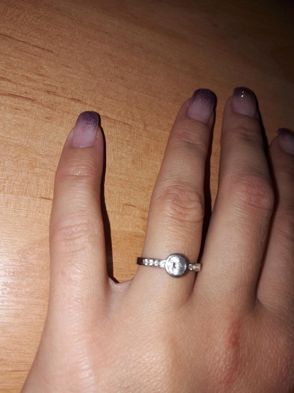 Zásnubní prsten z bílého zlata - Obrázek č. 1