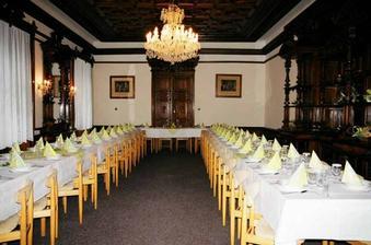 Zámek Bartošovice - místo svatební hostiny