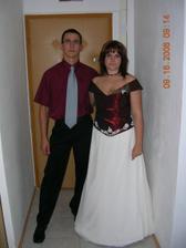 s budoucím manželem na sestřenčině svatbě_jako starší družička