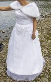 Snehobiele svadobné šaty, 39