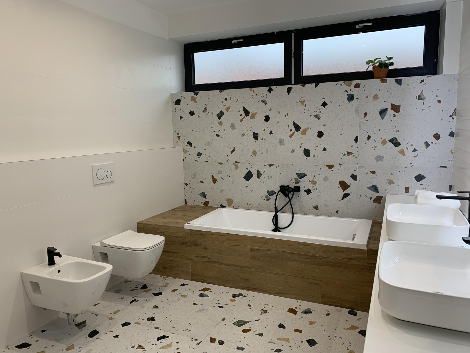 Linear 324 ❤️ - Dnes hotová kúpeľňa.