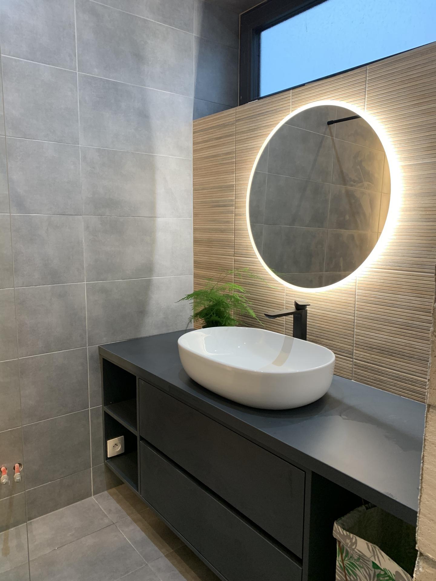 Linear 324 ❤️ - Rodičovská kúpeľňa. Menšia, ale o to útulnejšia.