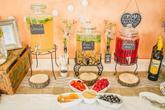 Drinkové nádoby s kohútikom na svadbe mali veľký úspech