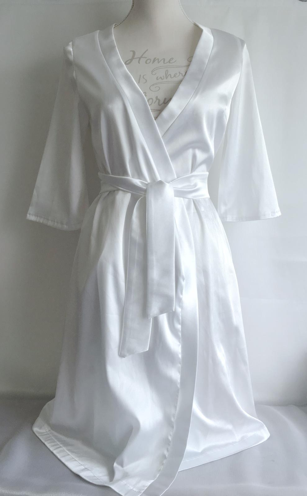 Svadobné župany + papučky+ spodná bielizeň - strih vhodný pre XS-S, pre čísla M-XXL je v ponuke kimonový strih
