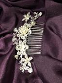 Štrasová ozdoba do vlasů s perlami,