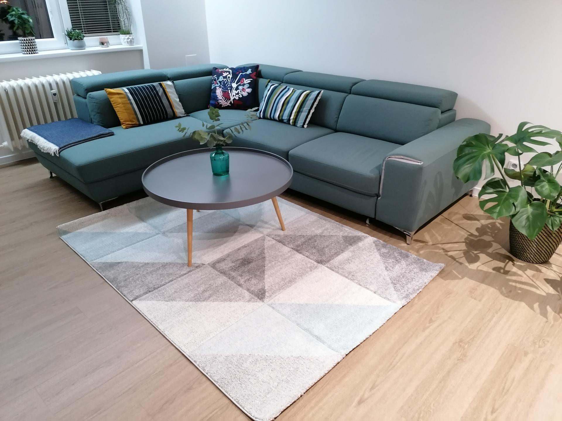 Co myslíte, hodí se nový koberec, nebo mám nechat původní?(šedý) - Obrázek č. 3