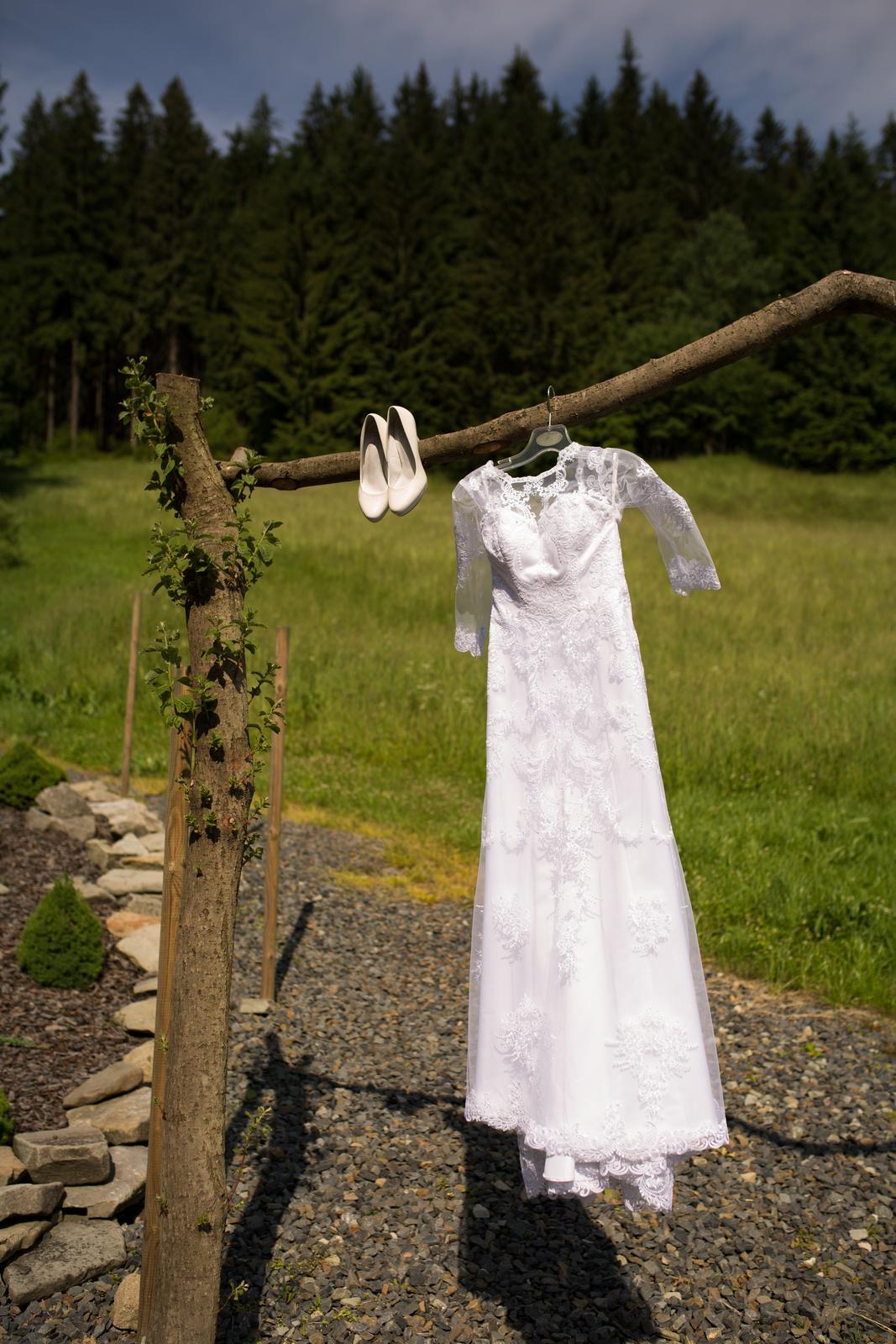 Celokrajkové svatební šaty 34-36 - Obrázek č. 3