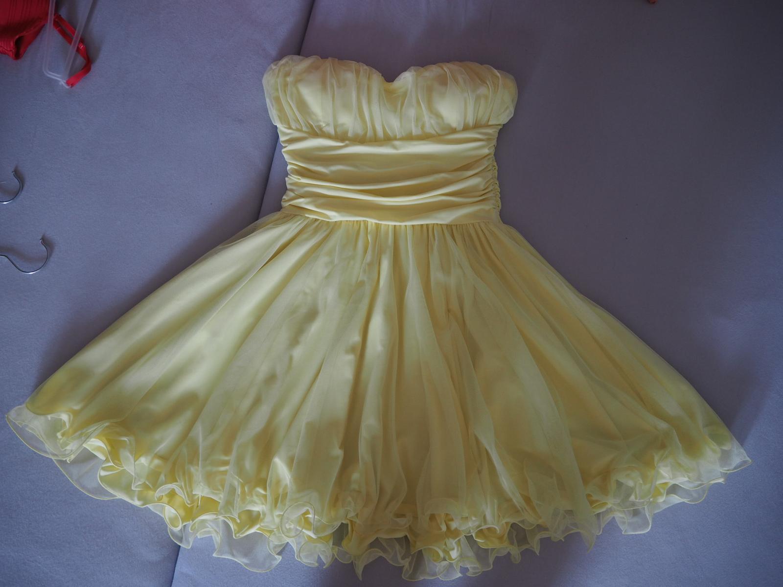 Krátke žlté spoločenské šaty.  - Obrázok č. 1