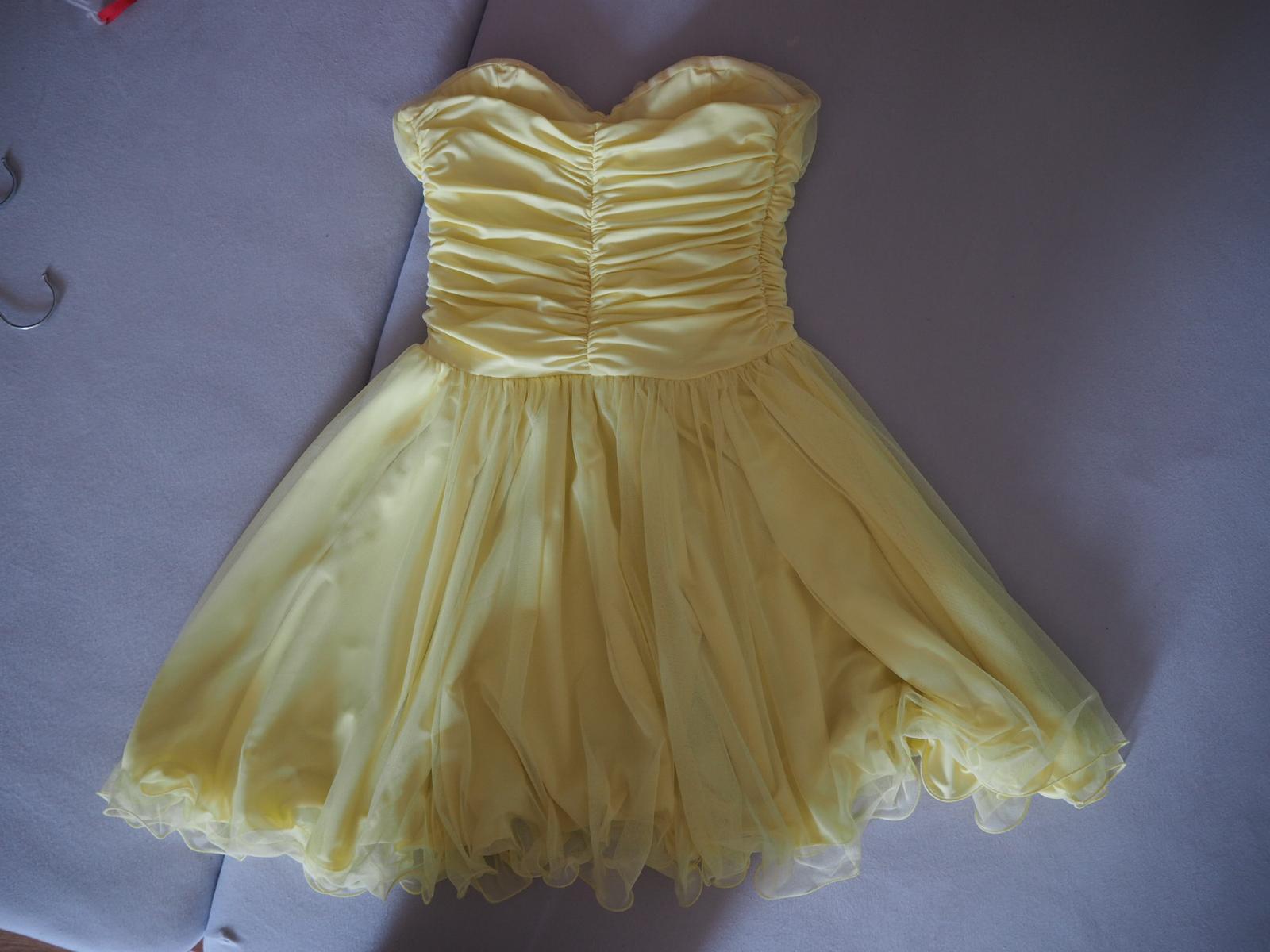 Krátke žlté spoločenské šaty.  - Obrázok č. 2