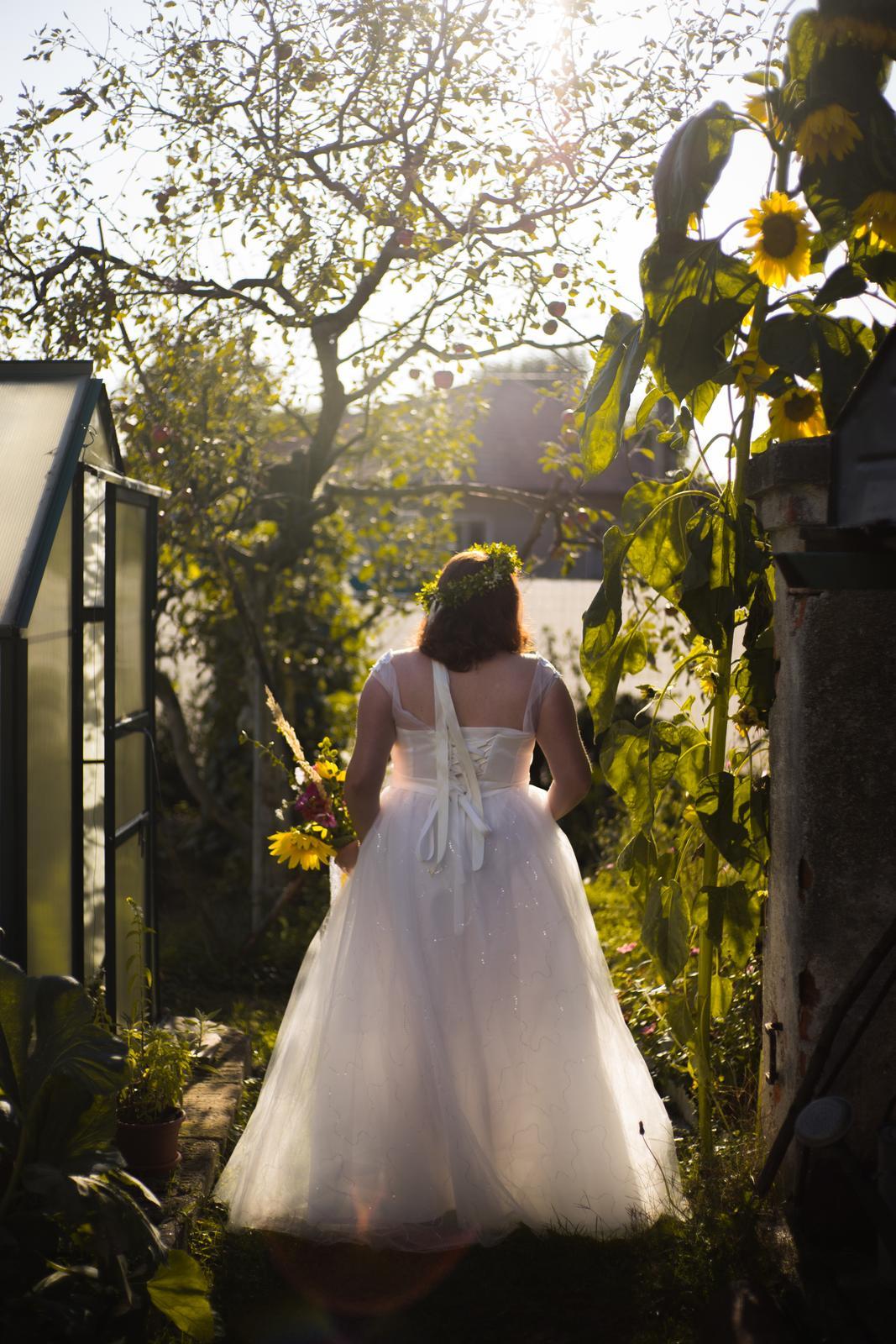 Svadobné šaty - biela farba, na šnurovanie (40-46) - Obrázok č. 1