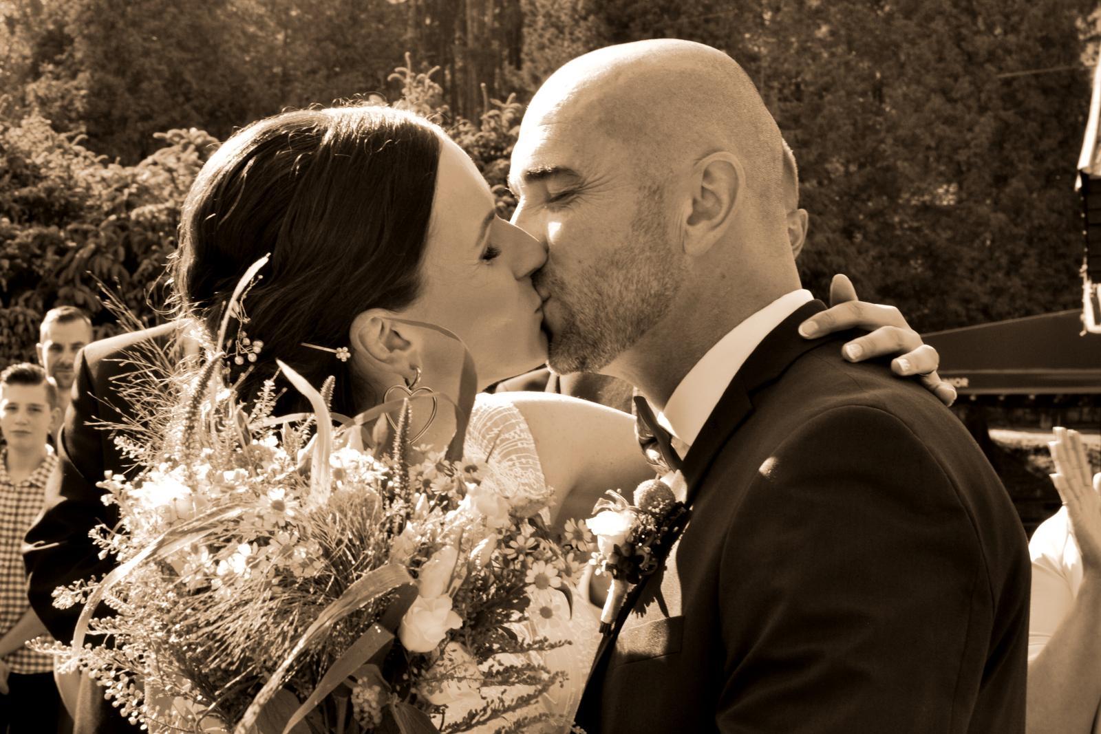 Môžete sa pobozkať - Obrázok č. 1
