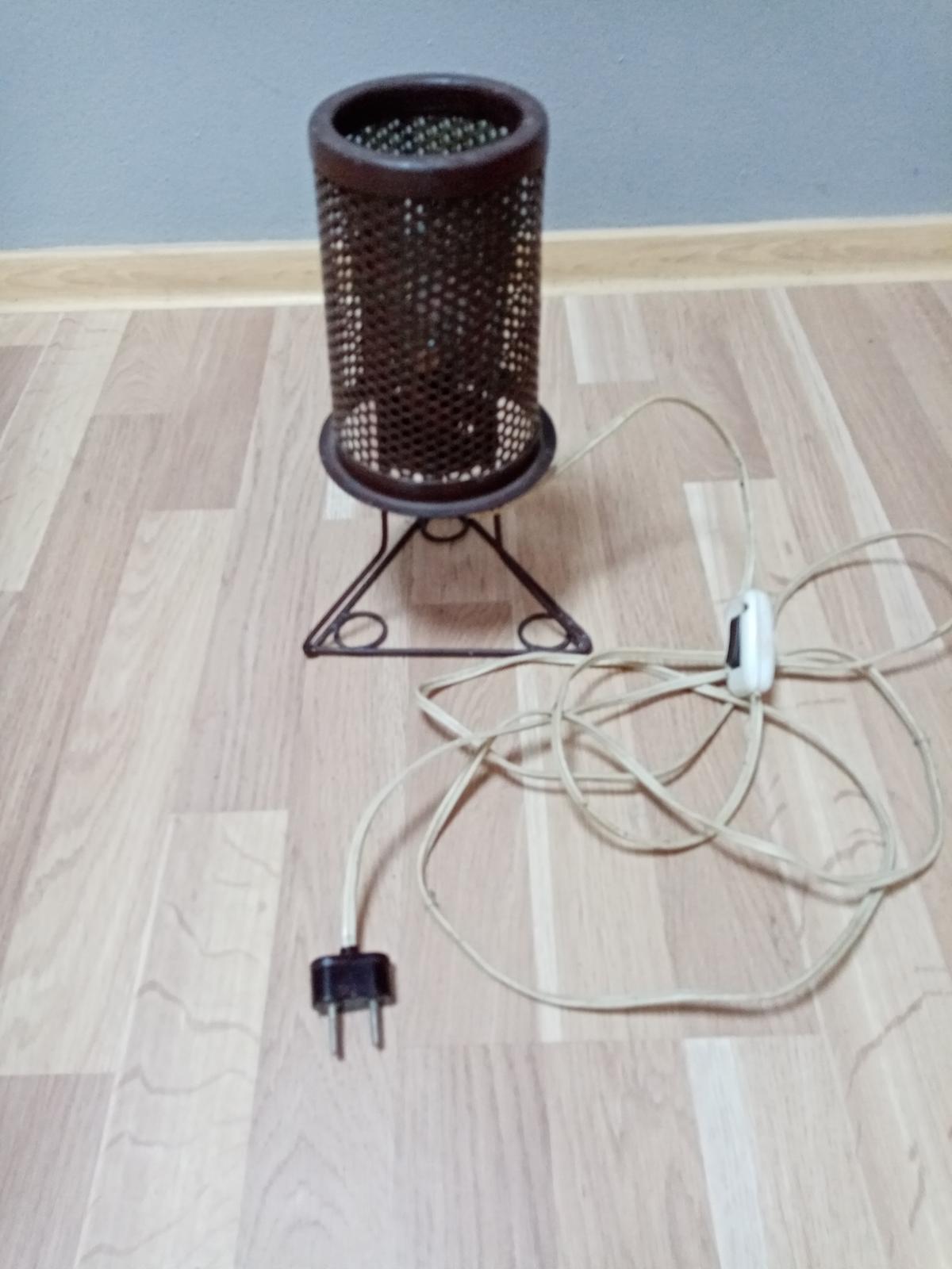 Stolná lampa - priemyselný dizajn - Obrázok č. 1
