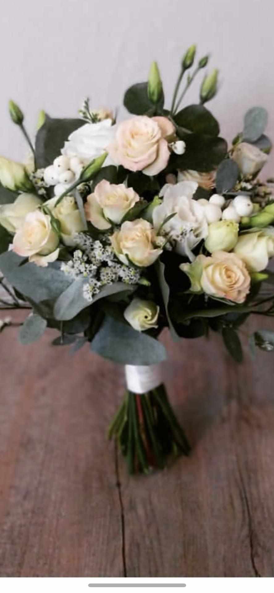 Nabidnete služby floristky na... - Obrázek č. 1