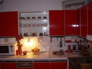 Dejiny - Mier, kuchyňa Carmen Topoľčany