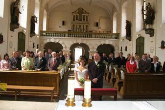 Pohled směrem od oltáře