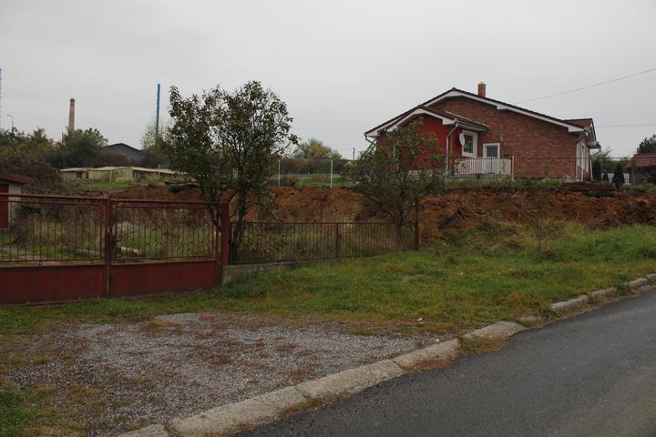 Stavebny pozemok na predaj,Kalinovo - Tak aj ten nas domcek bude stat tam hore,este mi dajte trocha casu!:-)