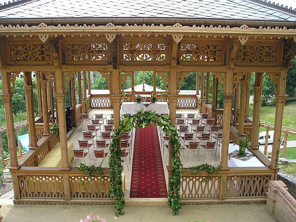 Celá rodina a všichni svatebčané mají na altán krásné vzpomínky :-)