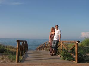 tak tam vzadu u toho moře jsme se zasnoubili..
