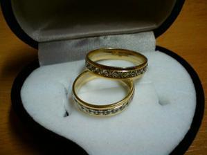 naše krásne prstienky...len sme zistili, že sú nám trochu veľké....