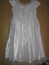 šaty pro družičku -už jsme jedny měli, ale vyrostla z nich :)