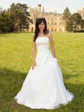 Moje vysněné svatební šaty, akorát by to chtělo vlečku ...