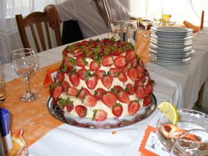 takto dopadl dortík výborný!!!