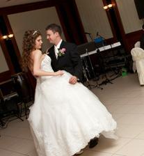 ..1.novomanželský tanec..