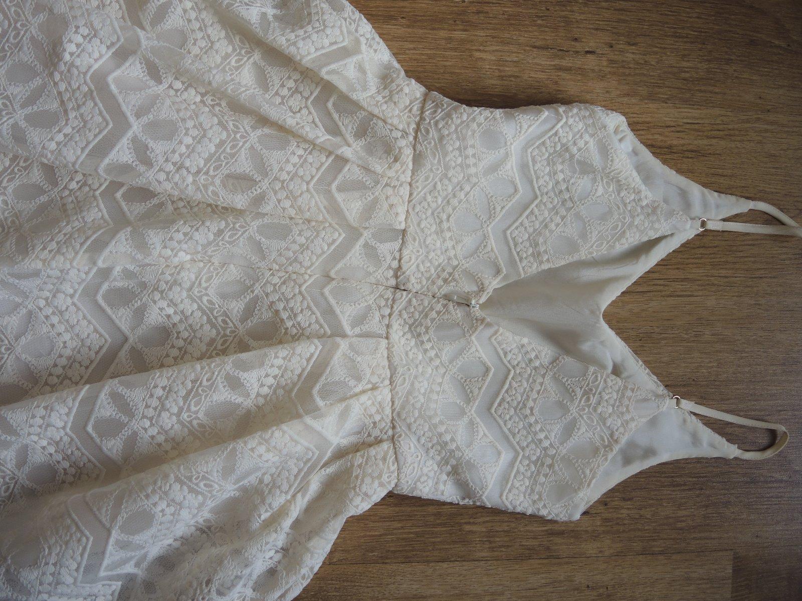 smotanové čipkované šaty - Obrázok č. 2