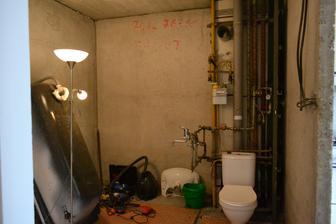 Naša kúpeľňa po včerajšom zásahu ...