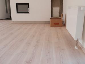 Detail podlahy - jasan bílý :)