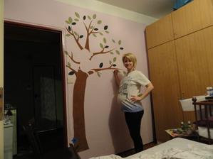 začátek 8.měsíce a čmárání na zeď by občas dělalo problém..břicho jsem měla špinavý :-))