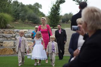 Po dlouhé době zase na svatbě, tentokrát jako svedkyně :-)