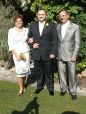 Ženich s maminkou a tatínkem