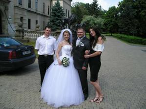 Nasim znamym na svadbe a to boli zaroven aj moje popolnocne saty.Na nasej svadbe som sa uz nestihla akosi odfotit...:((((